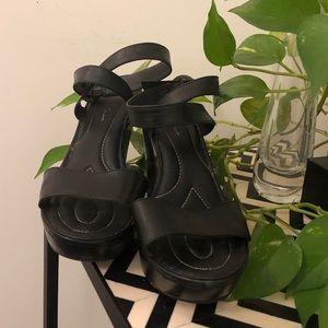 Born Crown Black platform sandals - size 9